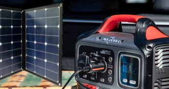 What Type Of Portable Solar Panels Charge A Power Station - Featured Image