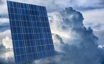 What is the output of a 100 watt solar panel on a cloudy day? - Featured Image