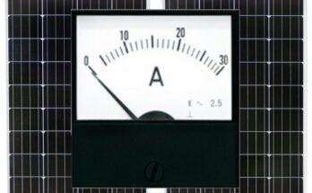 How Many Amps Do 2 100 Watt Solar Panels Put Out? - Featured Image